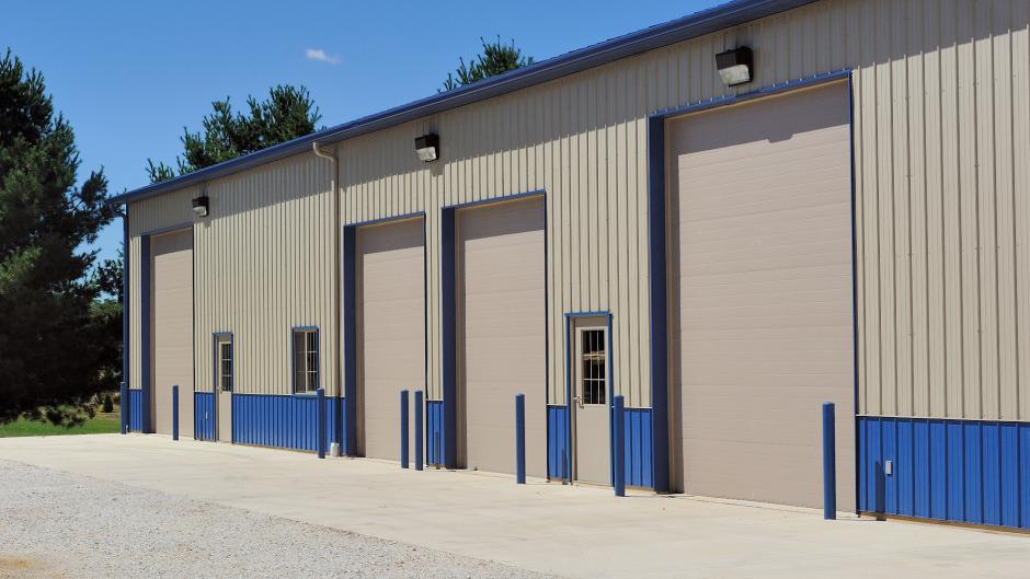 At Durable Door we specialize in oversized retro-fitted and rolling steel doors. & Industrial Garage Doors Rockaway | Durable Door pezcame.com